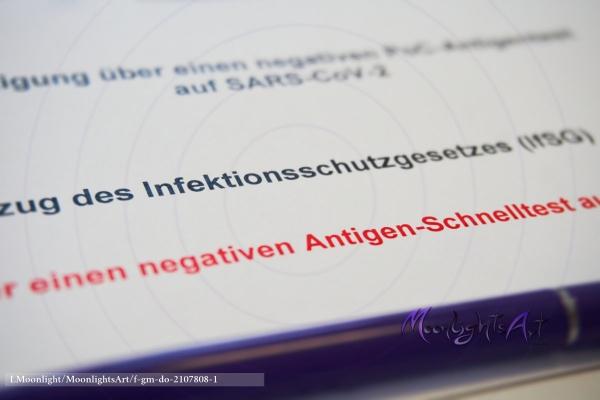 Covid-19 - SARS-CoV-2 - Antigen-Schnelltest - Infektionsschutzgesetz - Ergebnis - negativ