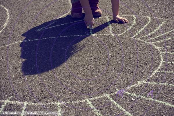 Kinderbild mit Straßenkreide