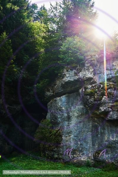 Felswand im Gegenlicht