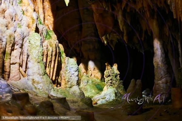 Tropfsteine in der Teufelshöhle