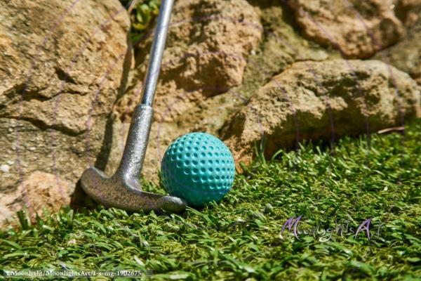 Minigolf - Ball und Schläger